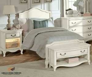 Kamar Set Kathrollete Ivory